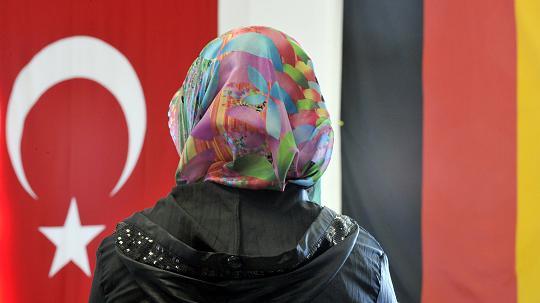 Viele Türken werden nach Deutschland flüchten, prognostiziert die Kurdische Gemeinde. FOTO: dpa, br sma tig rho