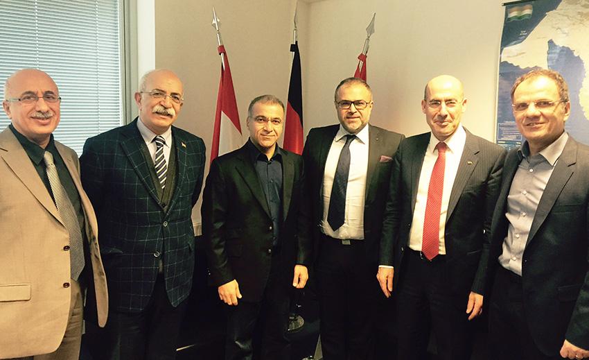 Foto:  von links nach rechts: Musa Ataman, Sertac Bucak, Dilshad Barzani, Ali Ertan Toprak, Mehmet Tanriverdi, Bayar Bamarni.