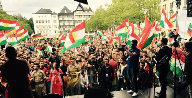 Kurden demonstrieren in Köln für Unabhängigkeit