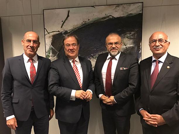 v. r. n. l. Mehmet Tanriverdi, Armin Laschet, Ali Ertan Toprak, Musa Ataman