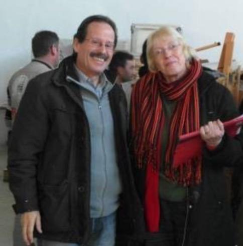 Bild: Dr. Willi Mast und Renate Mast aus Gelsenkirchen begleiteten den LKW-Konvoi von Erbil nach Kobanê Foto: W. Mast