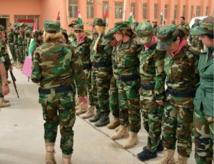 Frauenbataillon in Singschar / Front nahe Singschar / Soldatinnen und Soldaten - Foto: Hasmian Kazim